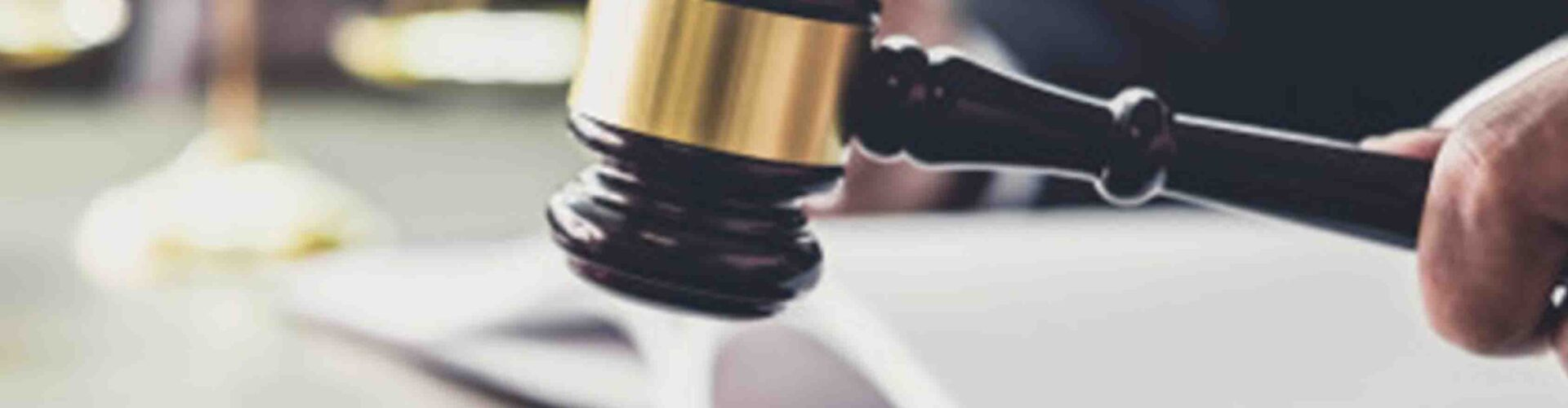 Yargının Muhalefetle Kurumsal Mücadelesi